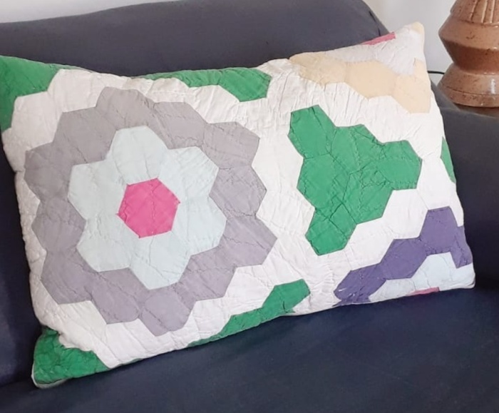 QuiltScrapPillow_White_Green